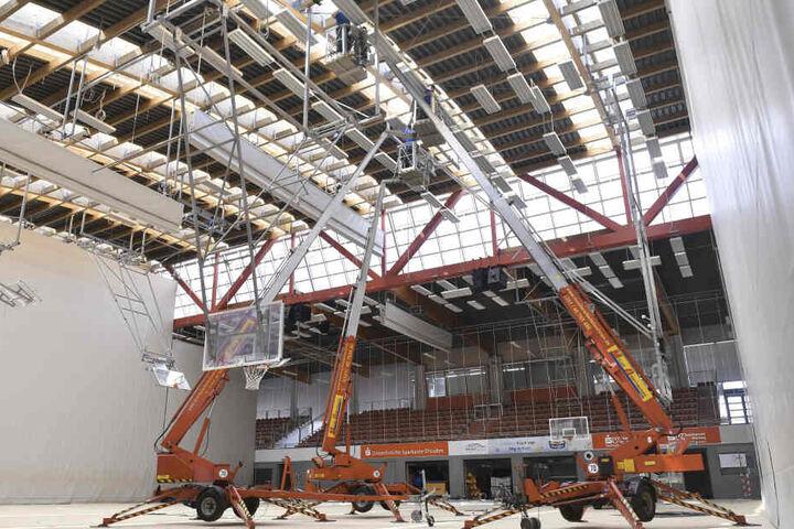 Immer wieder musste das Dach der Margon-Halle notdürftig geflickt werden.
