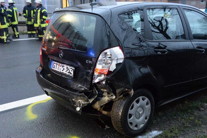 Der Mercedes stand ganz vorne in der Kette des Auffahrunfalls.