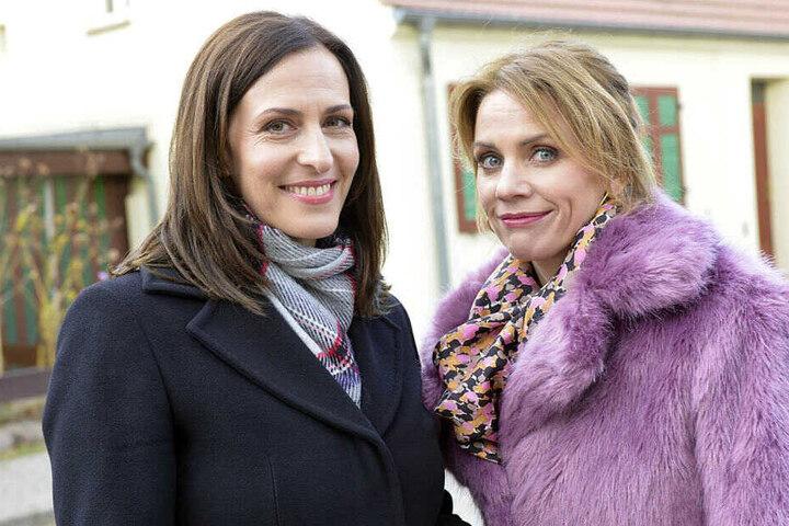 Ulrike Frank (Katrin Flemming) mit ihrer GZSZ-Kollegin Gisa Zach (Yvonne).