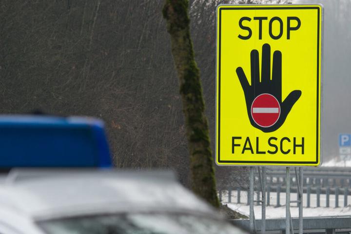 Der Unbekannte war in Zwickau in die falsche Richtung auf die A72 aufgefahren. (Symbolbild)