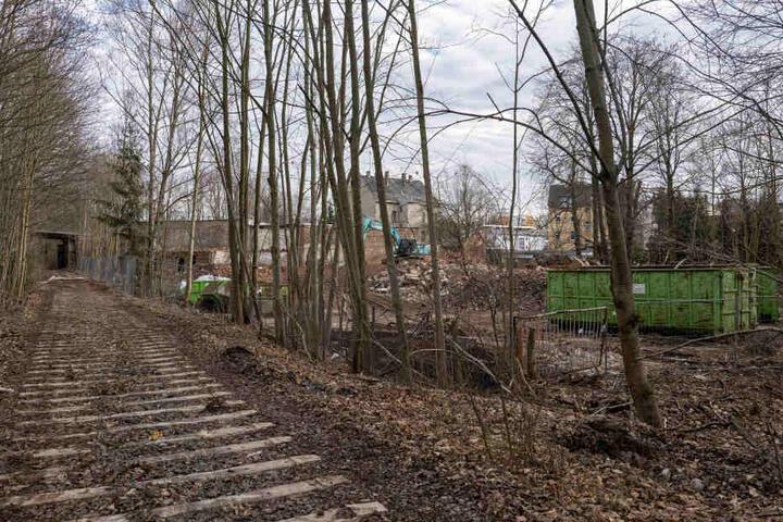 In Altendorf sind an der künftigen Radwegstrecke bereits die ersten Gleise demontiert.