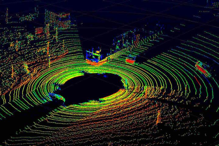 Sieht aus wie ein Kolosseum bei Nacht, ist aber ein 3D-Modell der Sensorerfassung für autonomes Fahren.