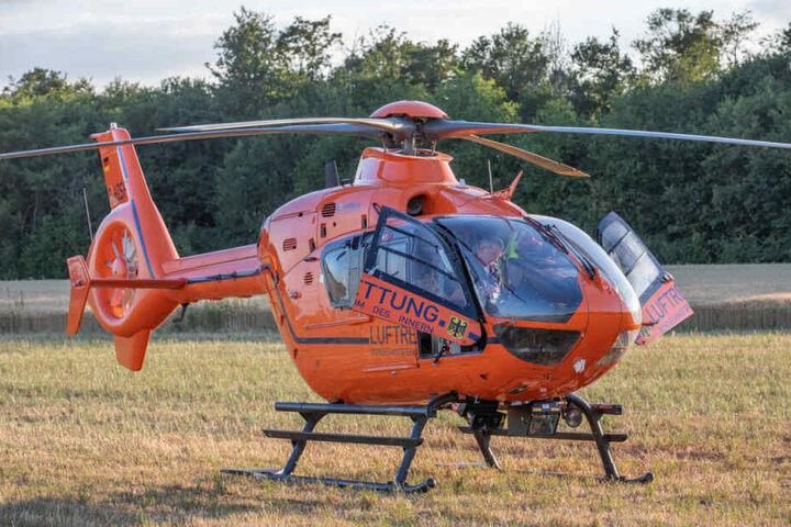 Das Unfallopfer wurde mit einem Rettungshubschrauber in eine Klinik transportiert.