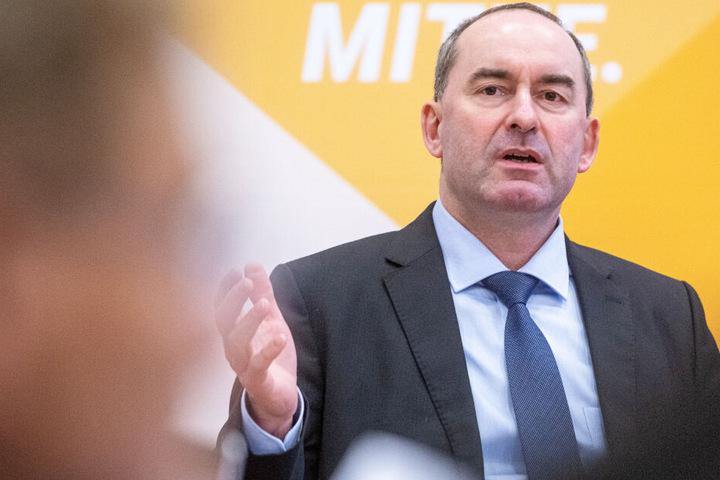 Hubert Aiwanger und die Freien Wähler haben eine klare Forderung geäußert.