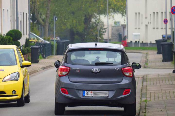 Seit Juni stehen Halteverbotsschilder in der Brehmstraße.