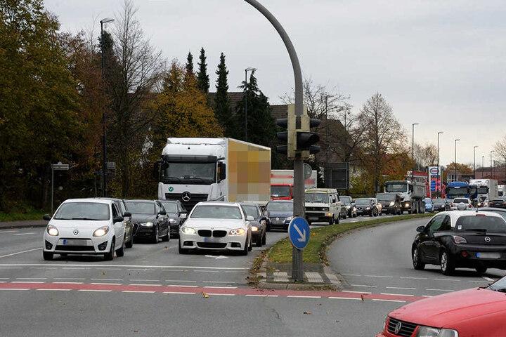 Der Verkehr staute sich auf dem Nordring.