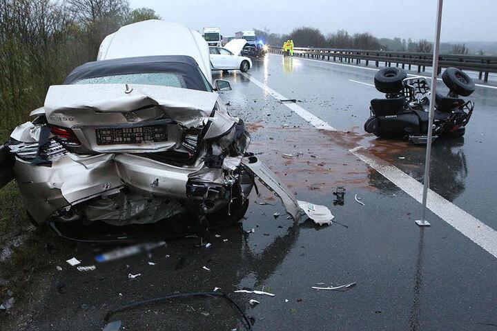 Ein 19-jähriger Quad-Fahrer musste bei Unwetter auf dem Standstreifen halten.