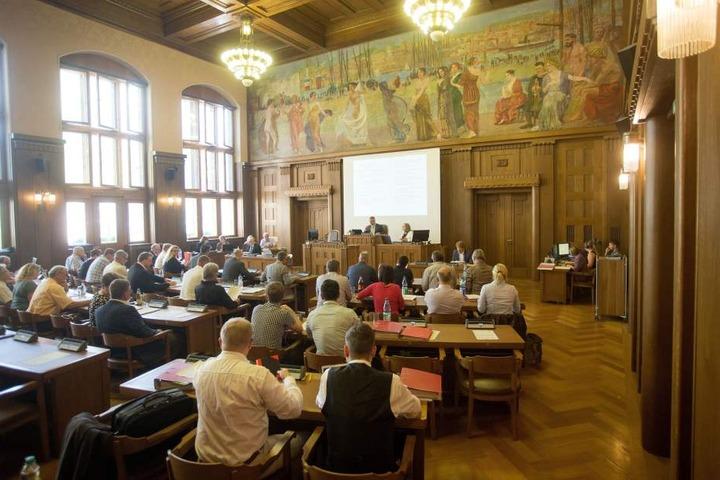 Der Chemnitzer Stadtrat entscheidet, wie in den Jahren 2019 und 2010 das Geld verteilt wird.