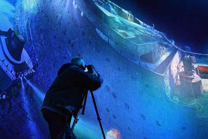 Das monumentale Rundbild führt seit Samstag auf eine Unterwasser-Reise in den Nordatlantik. Im Maßstab 1:1 zeigt es auf 3500 Quadratmetern das tragische Schiffsunglück vom April 1912.