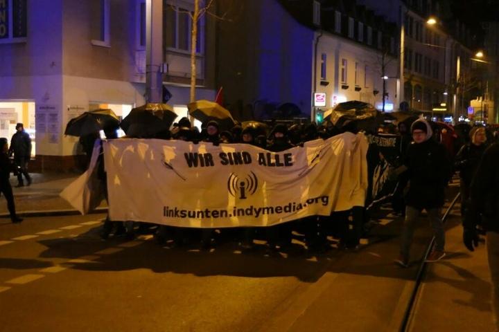"""Die Demonstranten sprachen sich gegen ein Verbot der linken Internetplattform """"linksunten.indymedia"""" aus."""