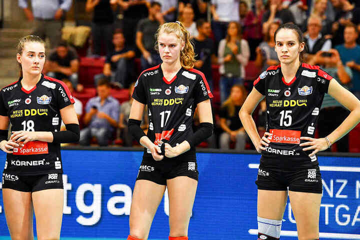 Enttäuschte Dresdnerinnen nach dem 0:3 in Stuttgart. Von links: Sarah Straube, Camilla Weitzel und Ivana Mrdak.