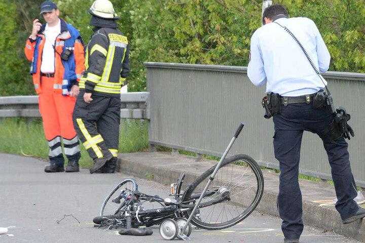 Die Polizei nahm am Unfallort die Ermittlungen auf.