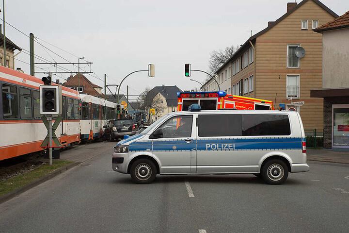 Die Polizei und ein Krankenwagen waren vor Ort.