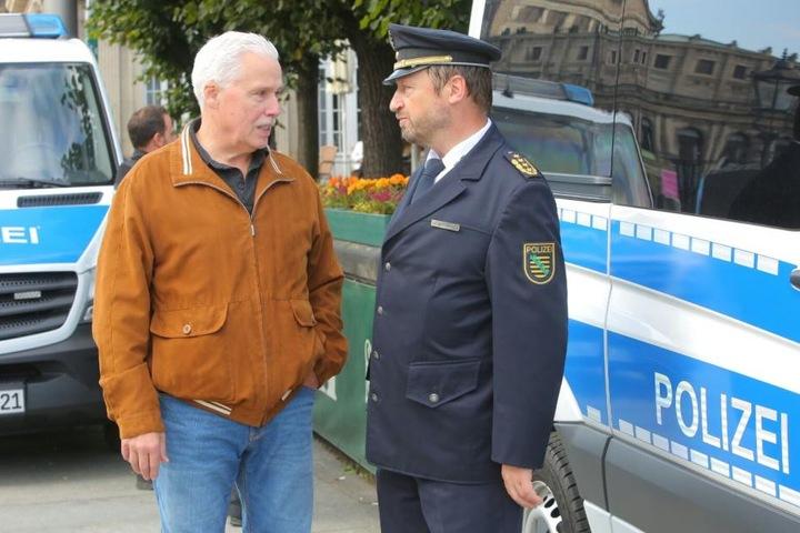Michael Wilhelm und Landespolizeipräsident Jürgen Georgie vor Ort.