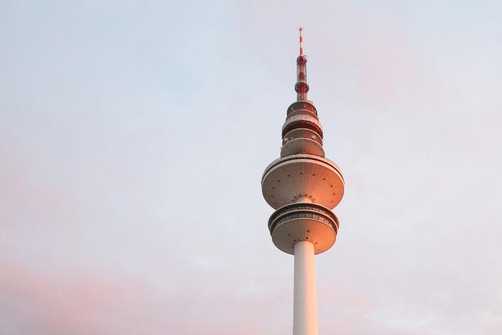Wahrzeichen von Hamburg: Der 280 Meter hohe Fernsehturm.