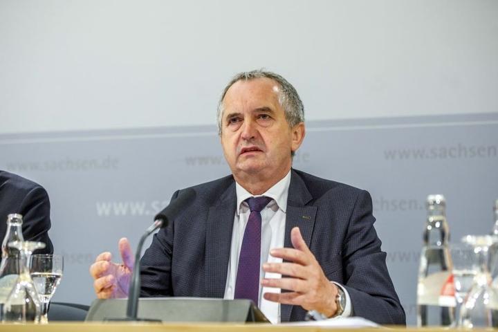 Umweltminister Thomas Schmidt (57, CDU) wirbt für den ersten Hochwasserschutztag.