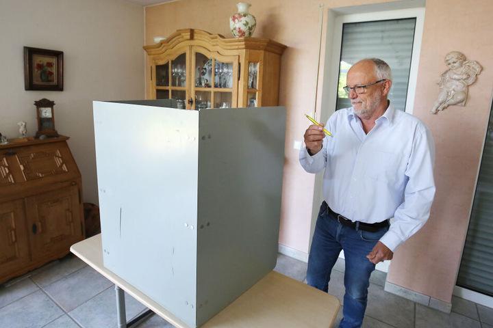 Längst Routine: Im Wohnzimmer der Familie Fabrizius finden schon seit zwölf Jahren Wahlen statt.