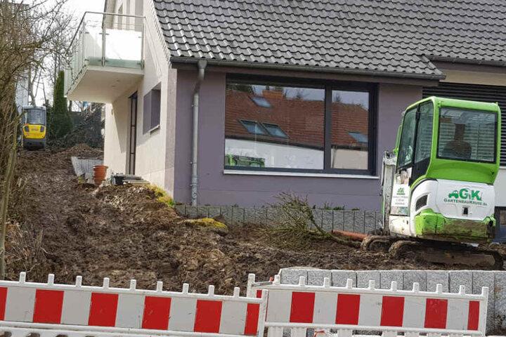 Im Vorgarten eines Hauses im Peter-Hille-Weg wurde die Weltkriegsbombe gefunden.