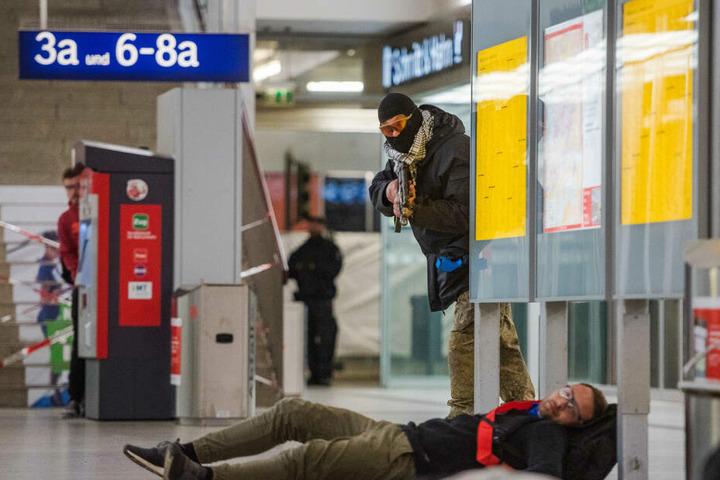 Die Anti-Terror-Übung fand im Hauptgebäude des Bahnhofs statt.
