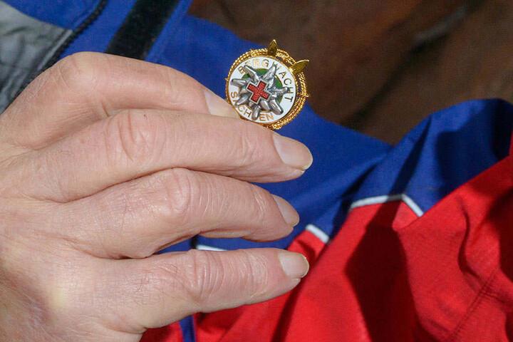 Für seinen ehrenamtlichen Einsatz erhielt der Oybiner jetzt die höchste Auszeichnung der sächsischen Bergwacht, das Ehrenabzeichen in Gold.