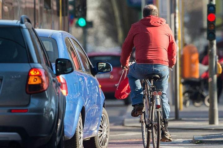 Radfahrer sollen in Berlin bald gegenüber Autofahrern bevorzugt werden.