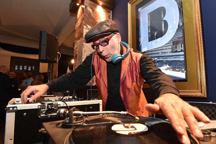 Gern gehört auf den Premierenfeiern im Boulevardtheater Dresden: DJ Bongo.