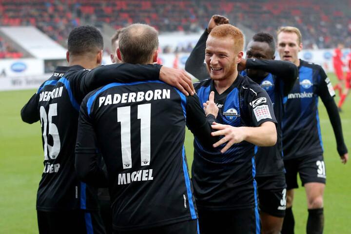 Die Vorfreude auf das Derby gegen Arminia Bielefeld ist bei Sven Michel und Sebastian Vasiliadis groß.