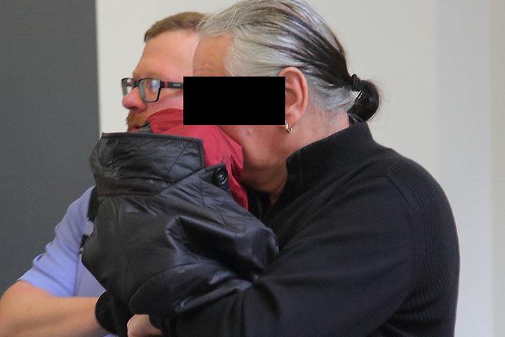 Frank S. (62) musste sich am Dienstag zum ersten Mal vor Gericht verantworten.