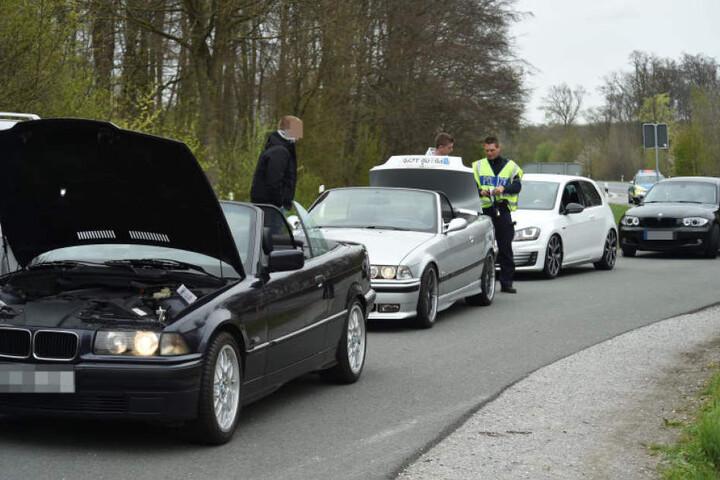 Eine Menge Autos wurden kontrolliert. In Paderborn fand das Treffen außerhalb der Stadt statt.