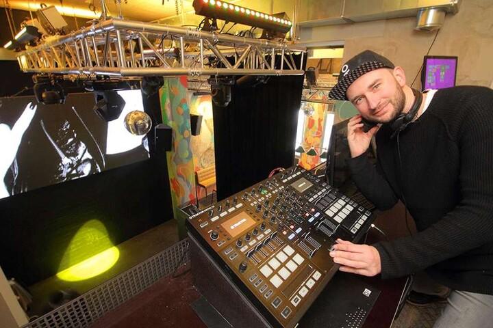Die neue Standesamt-Saison startet mit DJ Jake Dile (33) am Pult.