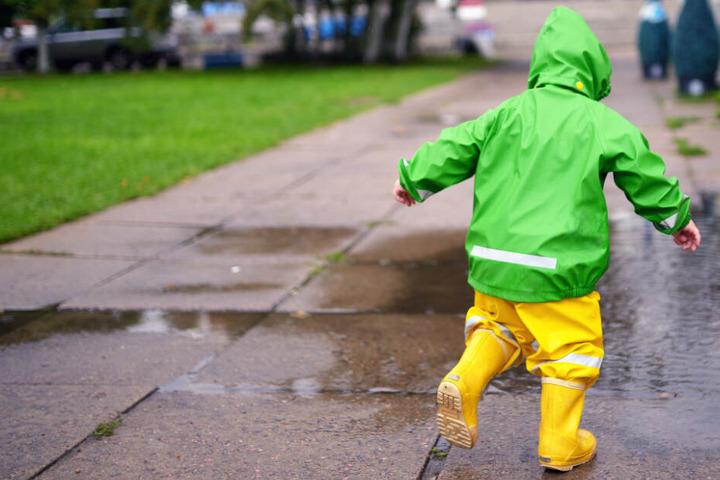 Der Junge machte sich alleine auf den Weg in den Kindergarten. (Symbolbild)
