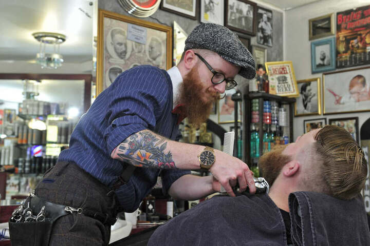 Kunden reisen aus dem ganzen Freistaat zum Haare- und Bartschneiden nach Borstendorf.