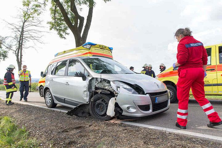 Wie schwer die Frau bei dem Unfall verletzt wurde, ist noch nicht bekannt.