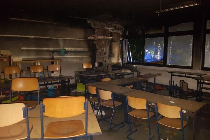 Auch das Klassenzimmer einer Hauptschule in Erkrath war durch Brandstiftung stark beschädigt worden.