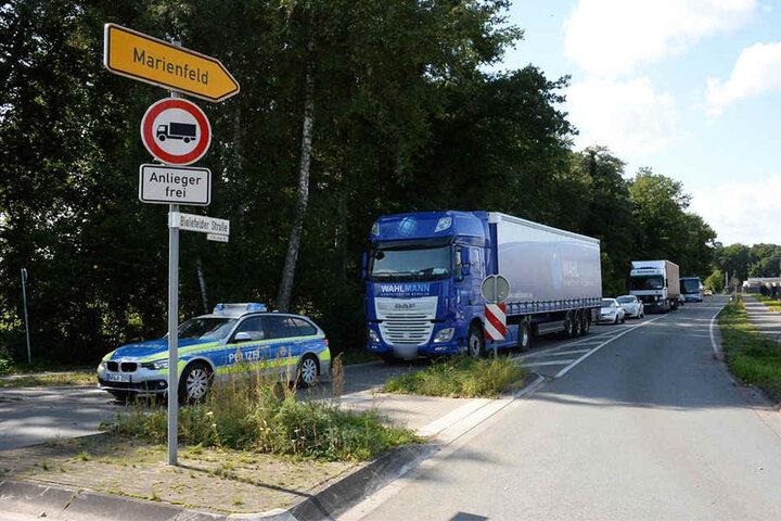 Die Bielefelder Straße musste für rund zwei Stunden gesperrt werden