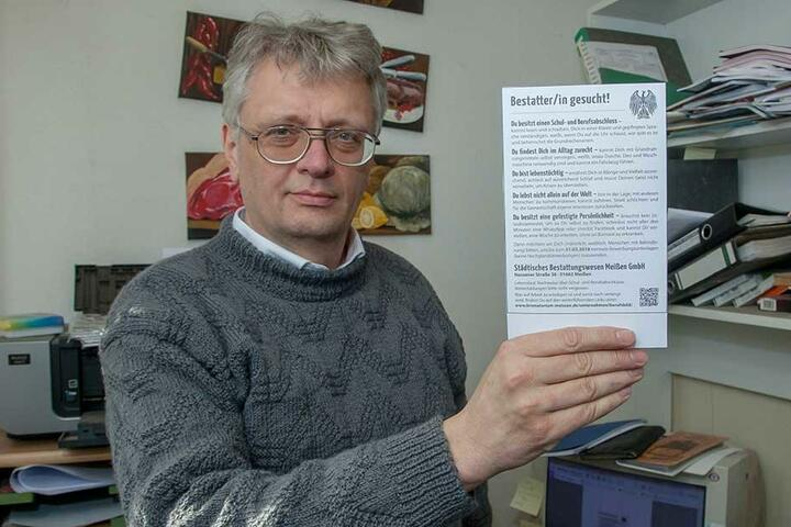 Krematoriums-Chef Jörg Schaldach (54) findet seine kreative Anzeige noch immer lustig.
