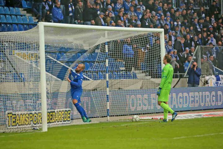 Der Ball im Netz der Magdeburger: Doch beim 1:0 der Zwickauer sollte es nicht bleiben. Die Heimelf konnte noch ein Remis erzwingen.