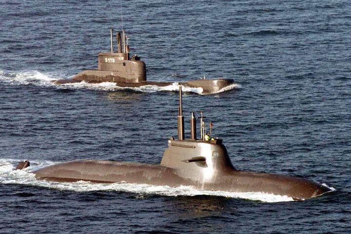 Auch das U-Boot U31 (vorne) ist bei dem Manöver dabei. (Archivbild)