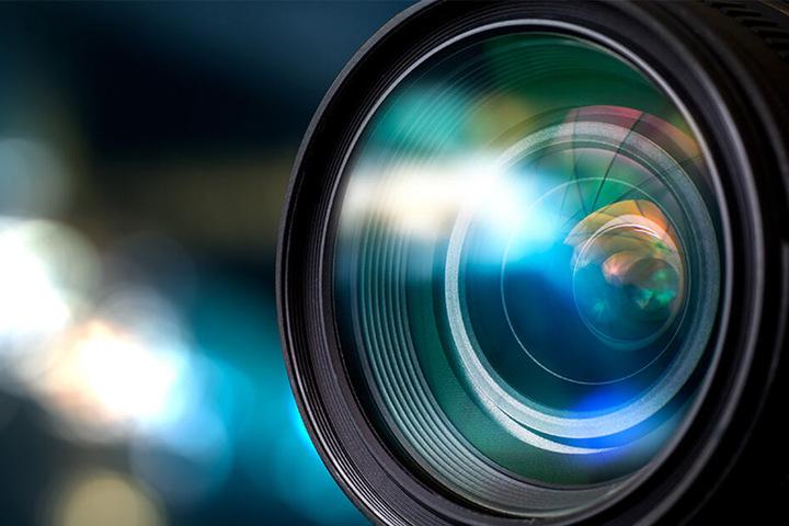 Die Polizei sucht nach Zeugen, die den Fotografen beobachtet haben. (Symbolbild)