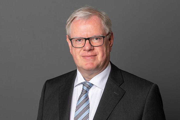 Stadtrat Hans-Joachim Brauns (60, CDU) fordert die schnellere Entfernung der Schmierereien und die Überwachung der Brücken.