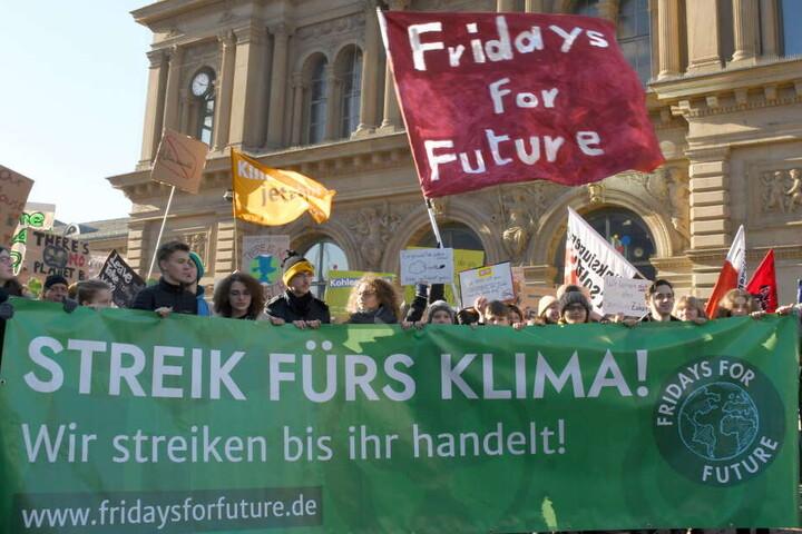"""In Sachsens Großstädten wollen an diesem Freitag Schüler für eine bessere Klimapolitik demonstrieren - und sich am weltweiten Aktionstag unter dem Motto """"Fridays for Future"""" beteiligen."""