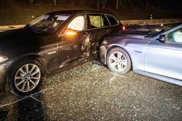 Auf der Autobahn 93 hat die Verfolgung eines mutmaßlichen Autodiebs für Chaos gesorgt.