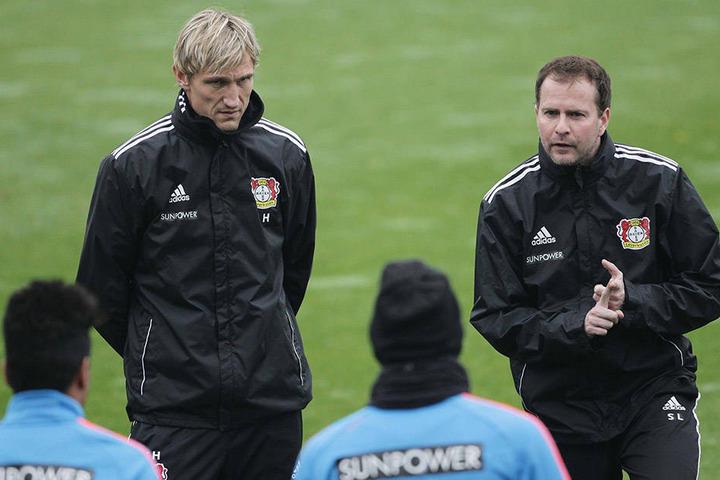 Ein erfolgreiches Doppel gab es 2012/2013 in Leverkusen: Teamchef Sami Hyypiä (l.) und Cheftrainer Sascha Lewandowski.