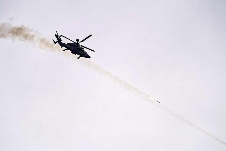 """Über dem Truppenübungsplatz Oberlausitz schossen die """"Tiger"""" scharfe Raketen ab."""