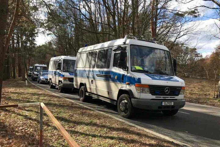 Am Donnerstag sucht die Polizei mit einer Hundertschaft nach der 15-Jährigen.