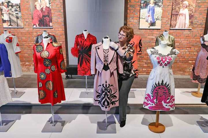 Kleider machen Leute: Zur 18. Chemnitzer Museumsnacht am Sonnabend eröffnet das Industriemuseum eine Sonderausstellung rund um Modegestalterin Ursula Hauptmann-König (1923-2013).