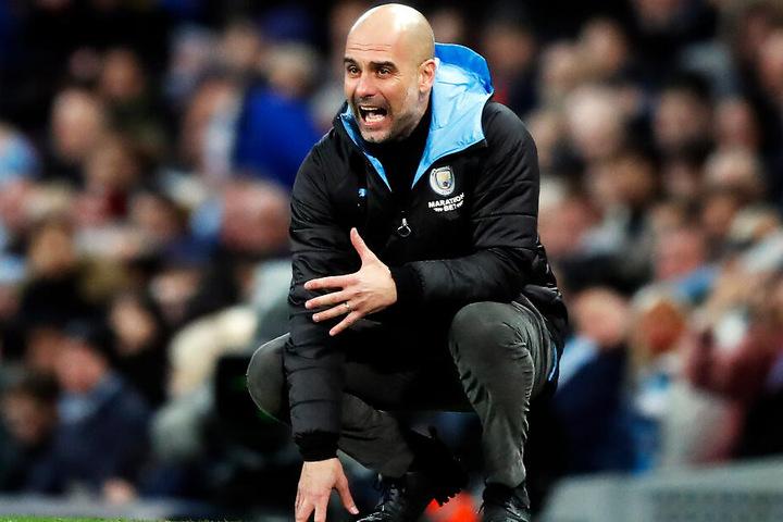 Trainer Pep Guardiola und Manchester City dürfen die nächsten zwei Jahre nicht an der Königsklasse teilnehmen.