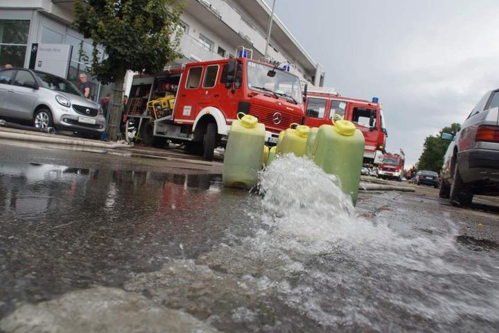In Korntal Münchingen (Kreis Ludwigsburg) musste die Feuerwehr mehrere Keller auspumpen.