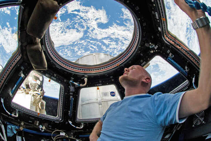 Aus dem All blickte Alexander Gerst rund 6 Monate täglich auf die Erde.