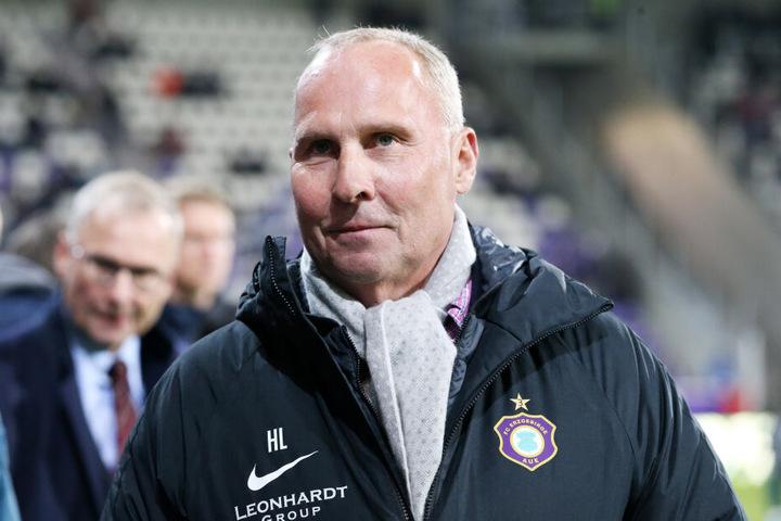 Von FCE-Boss Helge Leonhardt gab's Applaus für den Auftritt gegen St. Pauli und die restlichen Heimspiele in dieser Saison. Die Äußerungen von Bayerns Ex-Präsident Uli Hoeneß kann er mit Humor nehmen.